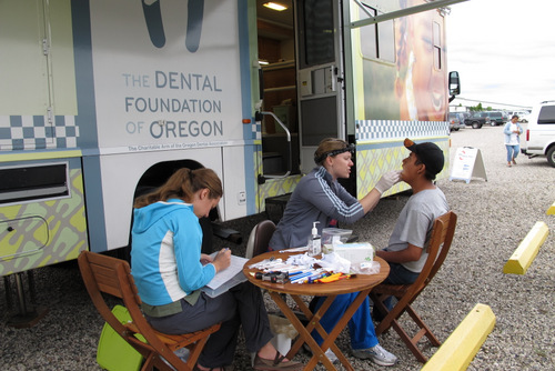 065 Dental Foundation Oregon ToothTaxi FairviewTownsend25 outdoor screening